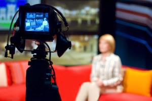 Videomaker a Firenze - Riprese video con telecamera e intervistata